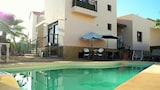 Choose This Cheap Hotel in La Oliva