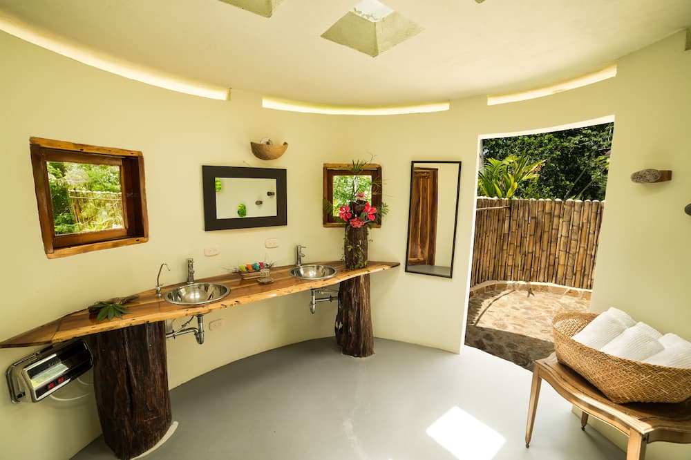 Vila typu Superior, dvojlůžko (200 cm), soukromý bazén - Koupelna