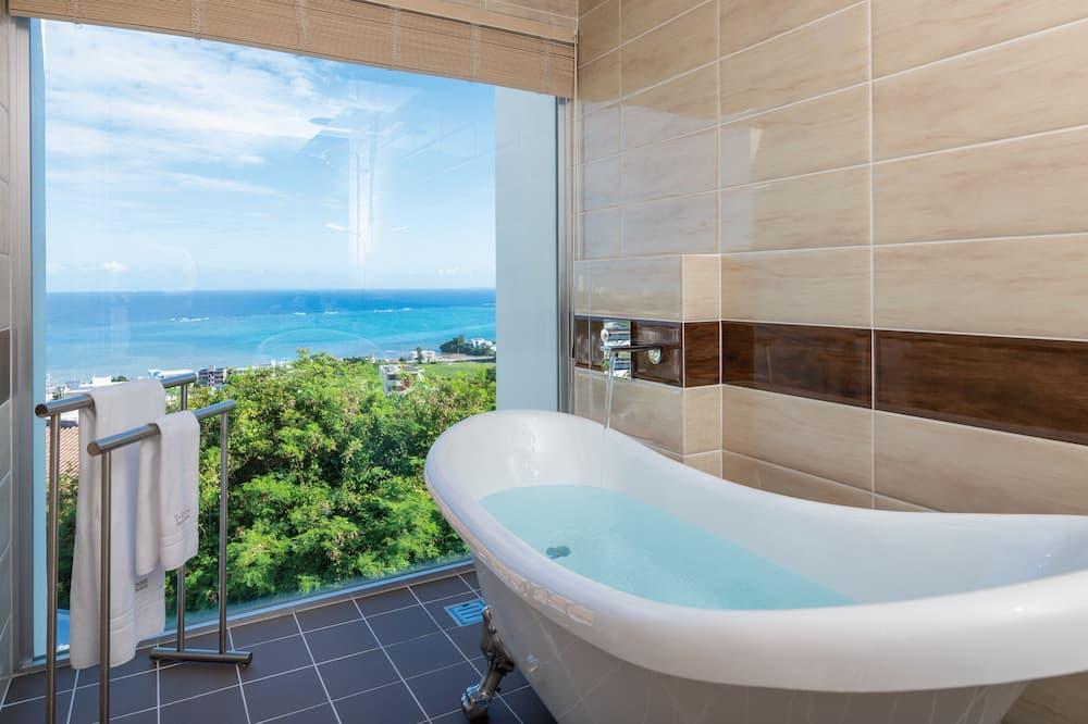Luxury Condo, 2 Bedrooms, Jetted Tub, Ocean View (TEEDA) - Bathroom
