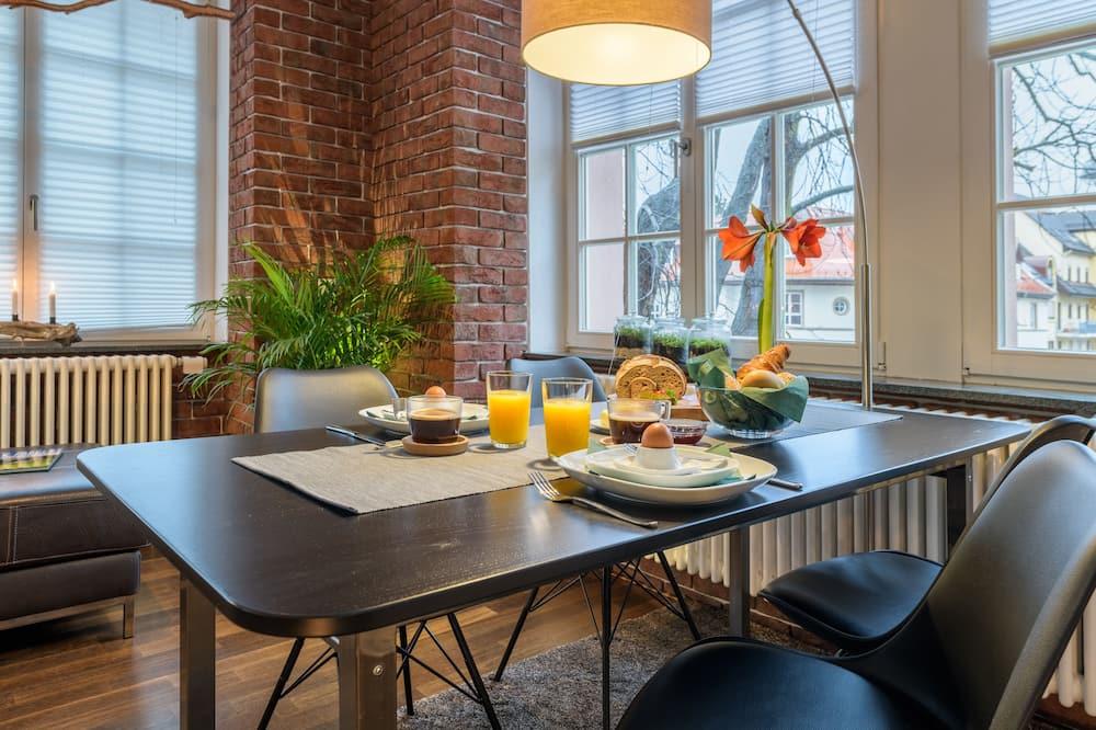 Deluxe Διαμέρισμα (Condo) (Schwarzwald Suite) - Γεύματα στο δωμάτιο