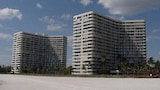 Choose This Beach Hotel in Marco Island -  - Online Room Reservations
