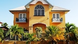 Choose this Villa in Crown Point - Online Room Reservations
