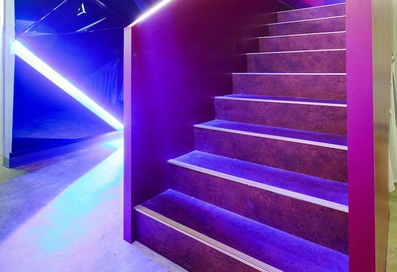 太空艙信義館, 台北市, 樓梯