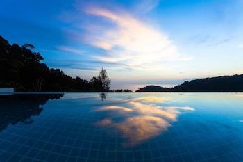Φωτογραφία του Amala Grand Bleu Resort, Kamala