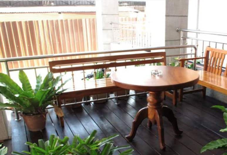 Cool Home, Khon Kaen, Terrasse/veranda