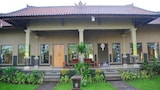 Choose This Cheap Hotel in Pemuteran