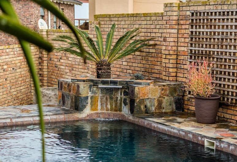 Nautilus Guesthouse, Port Elizabeth, Outdoor Pool