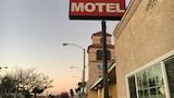 Choose this Motel in Lynwood - Online Room Reservations