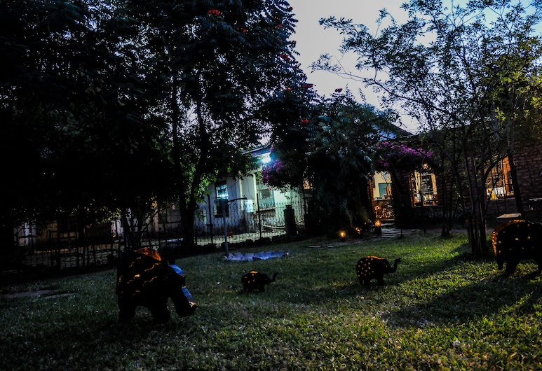 Zig Zag Town Lodge - Hostel, Livingstone, Taman