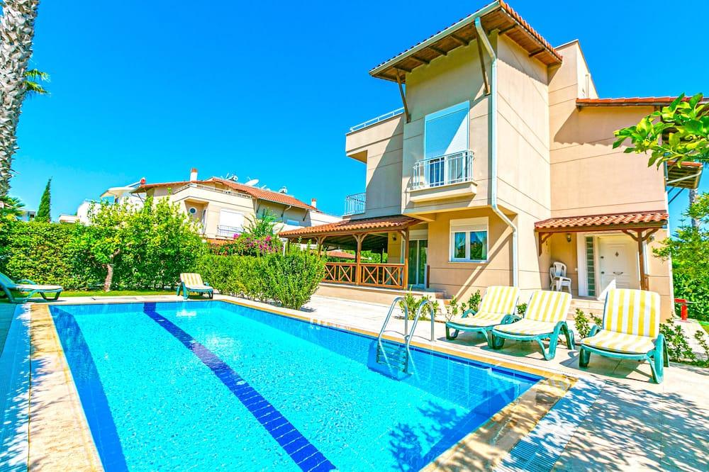 Paradise Town Villa Gordon