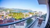 Choose This 3 Star Hotel In Budva