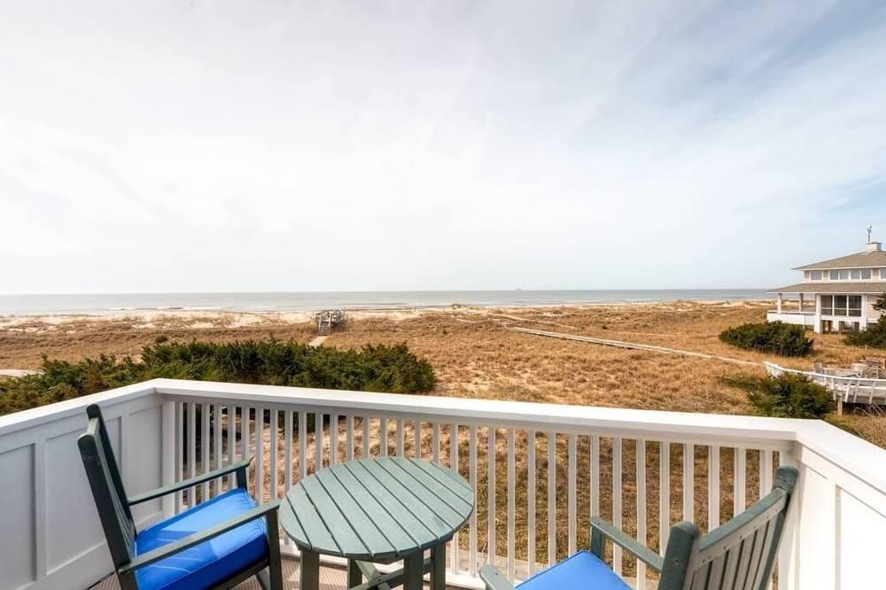 Family House, 2 Bedrooms, Ocean View, Sea Facing - Balcony