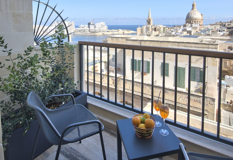 La Falconeria Hotel, Βαλέτα, Deluxe Δίκλινο Δωμάτιο (Double), Αίθριο, Μπαλκόνι