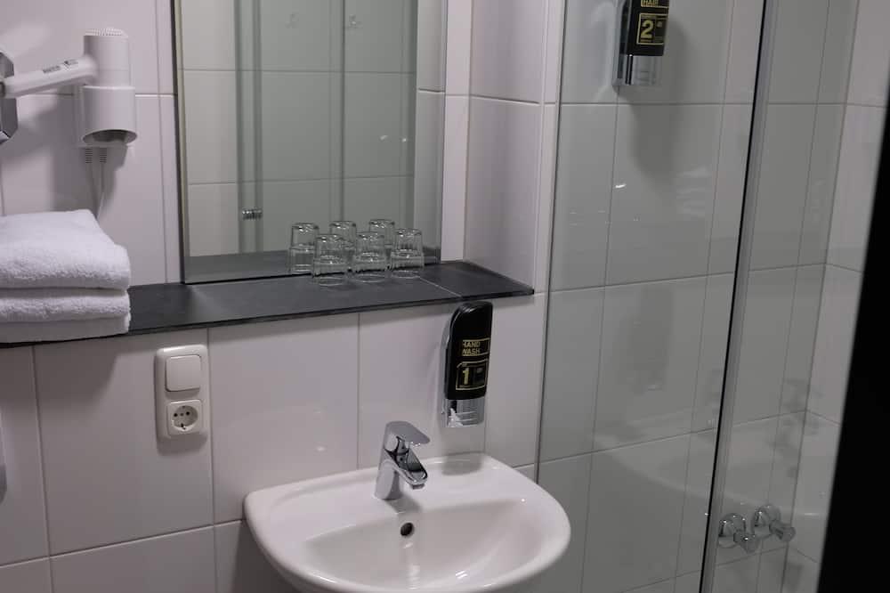 Трехместный номер «Комфорт» - Ванная комната