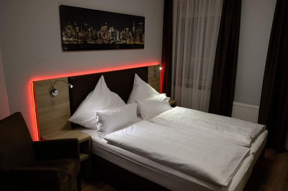 Двухместный номер «Сити» с 1 двуспальной кроватью - Главное изображение