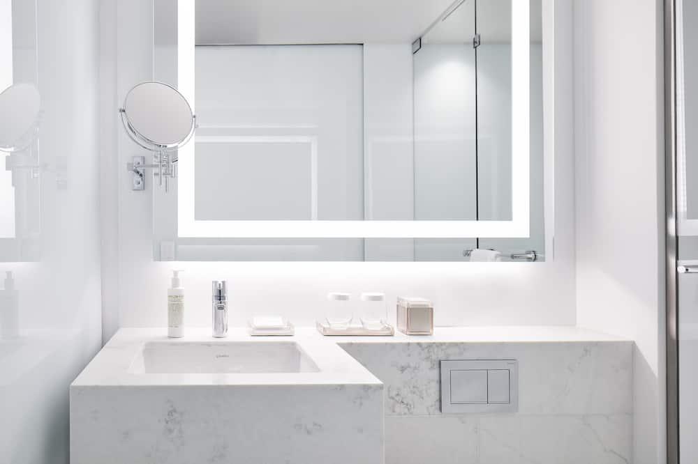 Quarto Deluxe, 1 cama queen-size (Premier View) - Casa de banho