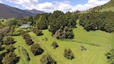 Book this Free wifi Hotel in Takaka