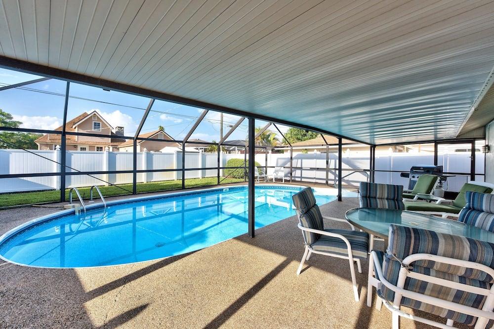 Luxury House, 3 Bedrooms, Pool View, Poolside - Imej Utama