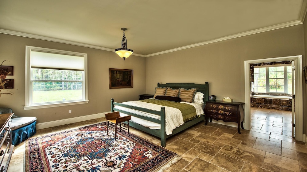 Knickerbocker Estate 8 Bedroom Holiday Home by