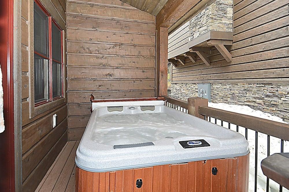 Luxury Ev, 4 Yatak Odası - Açık Hava Spa Küveti