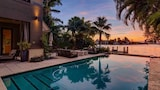 Choose this Villa in Miami Beach - Online Room Reservations
