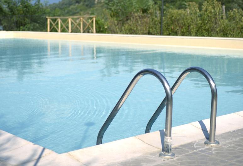卡蘭奇谷生態農莊飯店, 泰維里納堡, 游泳池