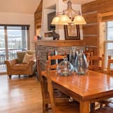 Family House, 3 Bedrooms - In-Room Dining