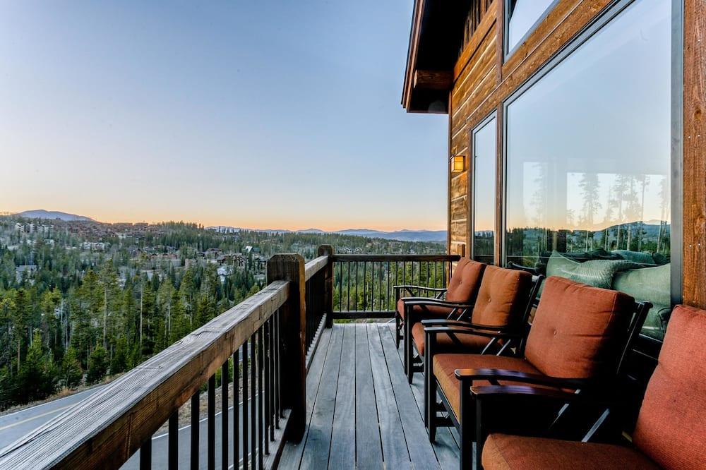 Luxusný dom, 5 spální - Balkón