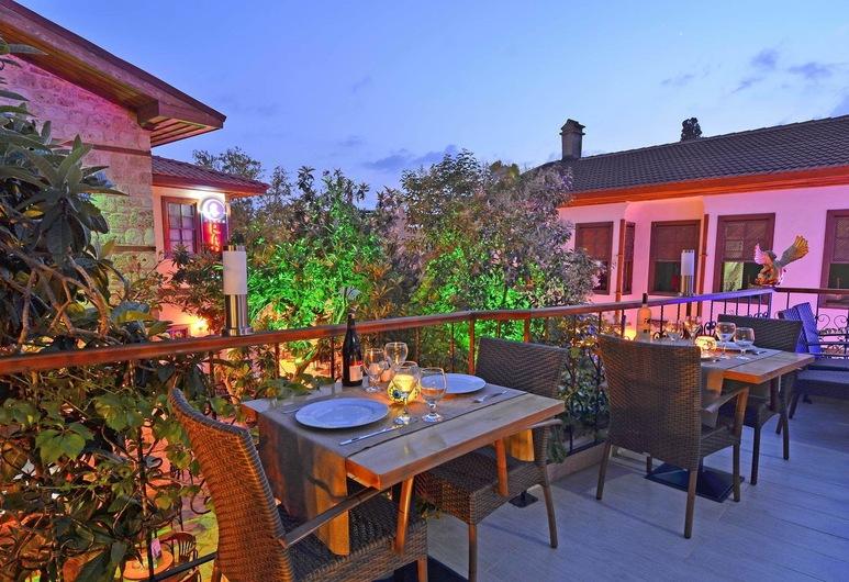 Mia Boutique Hotel, Antalya, Stravovanie vonku