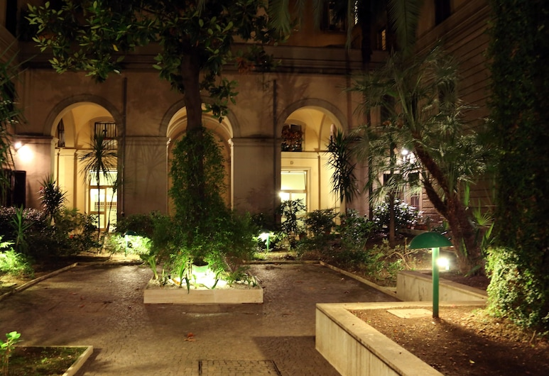 Caroline Rooms Rome, Rome