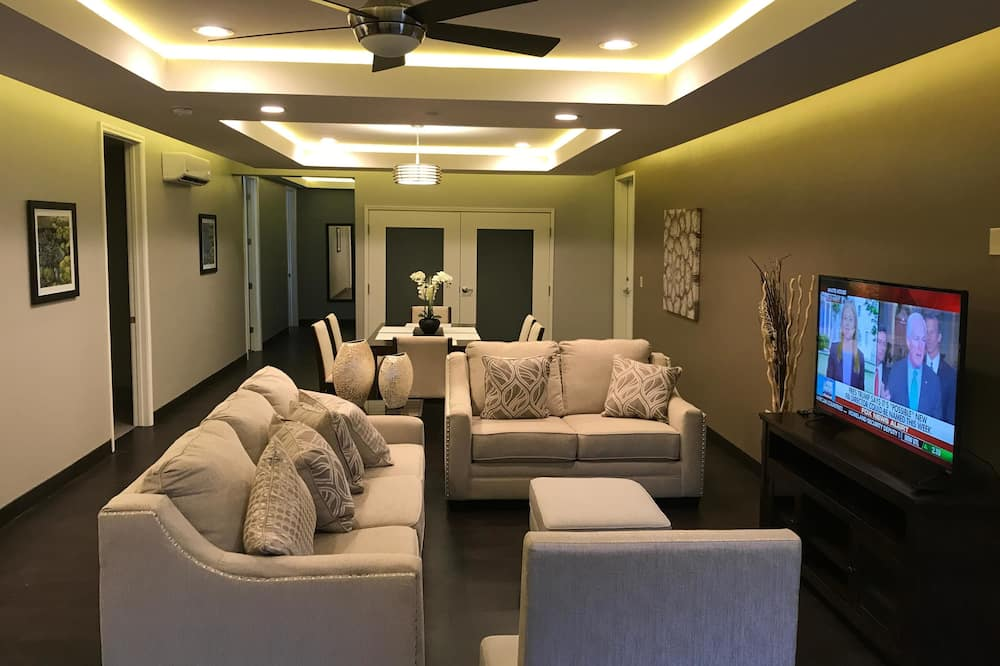 套房, 非吸煙房 (Three Bedroom) - 客廳