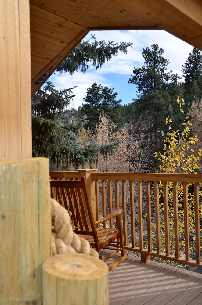 High Quality The Cabins At Country Road, Evergreen, Balcony View