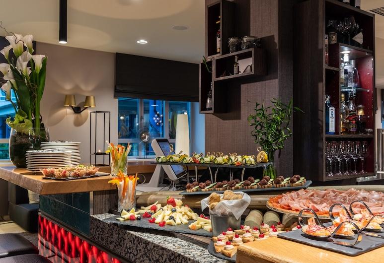 NYX Hotel Milan by Leonardo Hotels, Milan, Bar Hotel