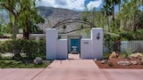 Choose this Villa in Palm Springs - Online Room Reservations