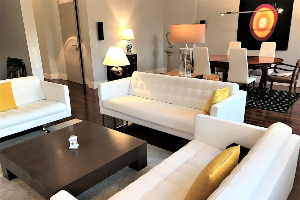 Luxury Penthouse, 2 Bedrooms, 2 Bathrooms (Market Square view, 155 m2) - 客廳