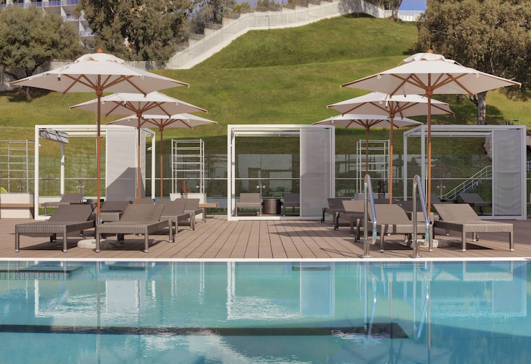 فندق شيراطون عنابة, عنابة, حمام سباحة