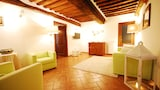 Choose this Apartment in Castelnuovo Berardenga - Online Room Reservations