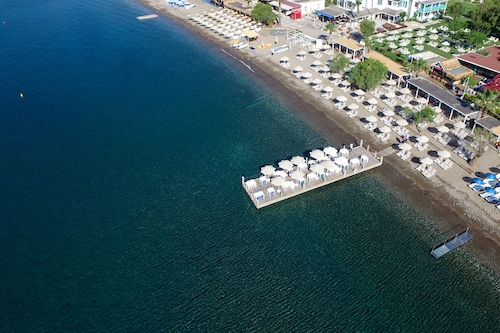 凱菲海灘套房飯店/