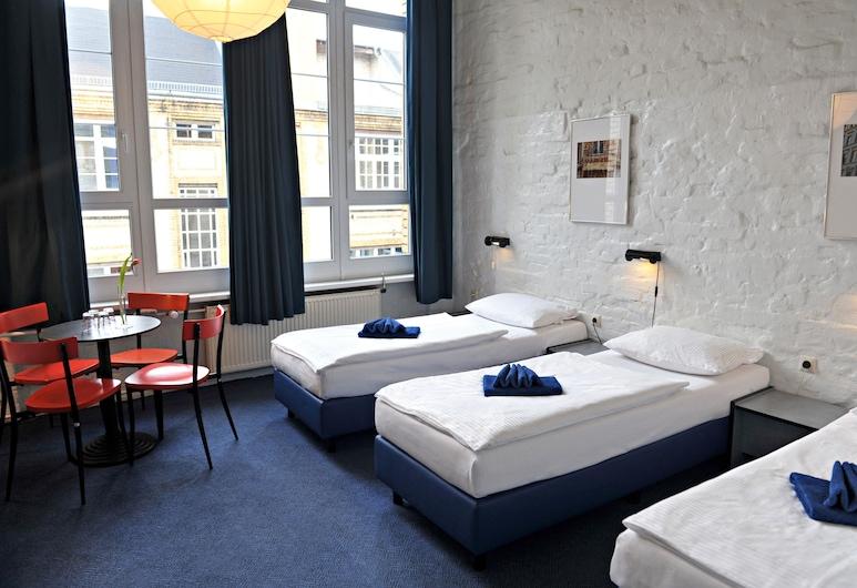 Hotel Transit Berlin, Berlin, Dreibettzimmer, Zimmer