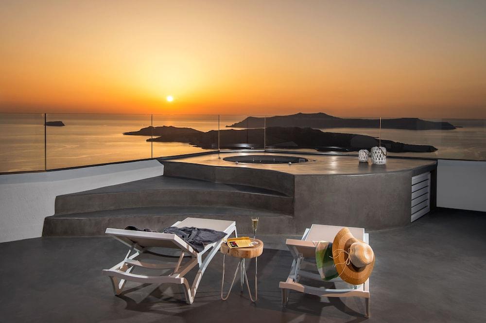 伊里尼菲拉別墅酒店 - 只招待成人入住, 聖托里尼, 蜜月套房, 熱水浴缸 (Caldera View), 陽台