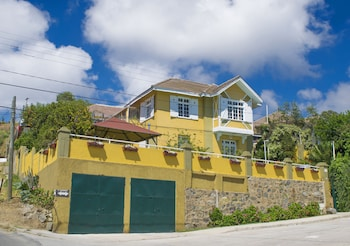 Picture of Pontoval B&B in Valparaiso