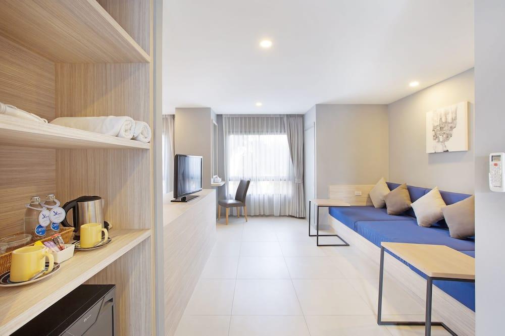 Deluxe Premium Room - Living Area