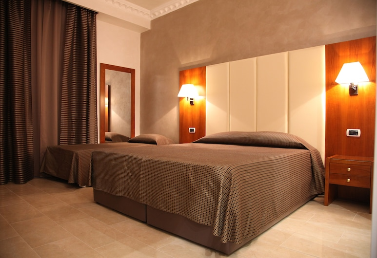 B&B Federica's House in Rome, Rome, Standard Double or Twin Room, 1 Bedroom, Private Bathroom, Courtyard View, Guest Room