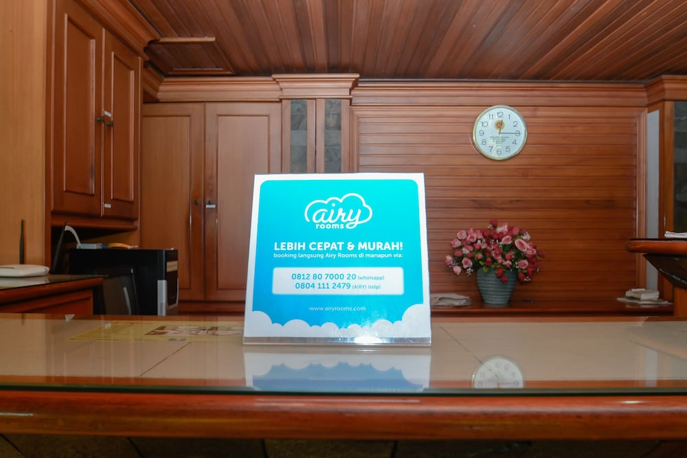 Airy Eco Syariah Gubeng Kalibokor Selatan 108 Surabaya Reception
