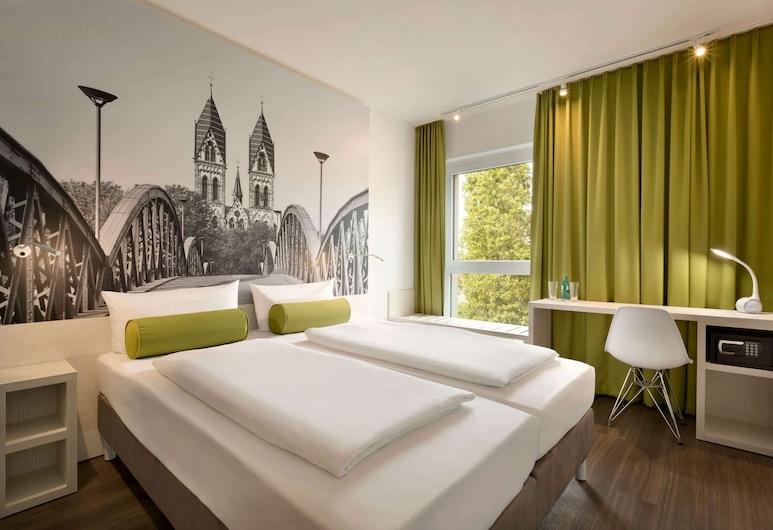 Super 8 by Wyndham Freiburg, Freiburg im Breisgau, Room, 1 Double Bed, Non Smoking, Guest Room