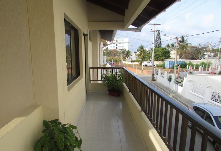Posada & Hostal Miss Marlly, San Andres, Family Apartment, 2 Bedrooms, Private Bathroom, Terrace/Patio