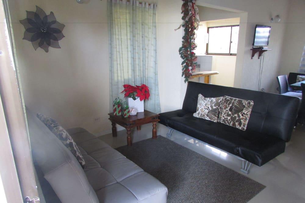 Perhehuoneisto, 2 makuuhuonetta, Oma kylpyhuone - Oleskelualue
