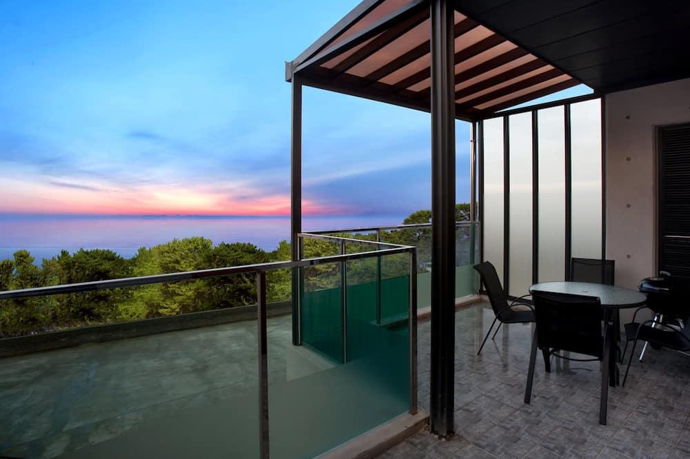 Villa, bañera de hidromasaje - Balcón