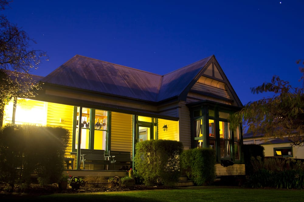 The Old Countryhouse Backpacker Hostel