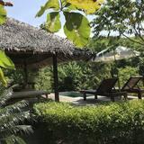 Private Pool Villa - Balcón